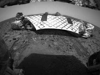 Spirit rover Rolls Off the Lander.