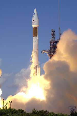 Atlas II Launches.