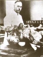 August Hirt dissecting a corpse