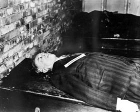 The body of Joachim von Ribbentrop after his execution.