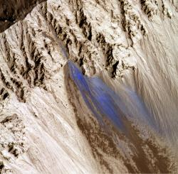 Landslide in Zunil Crater. Image credit: NASA/JPL/University of Arizona.